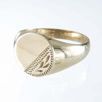 9ct Gold Round signet ring with Co